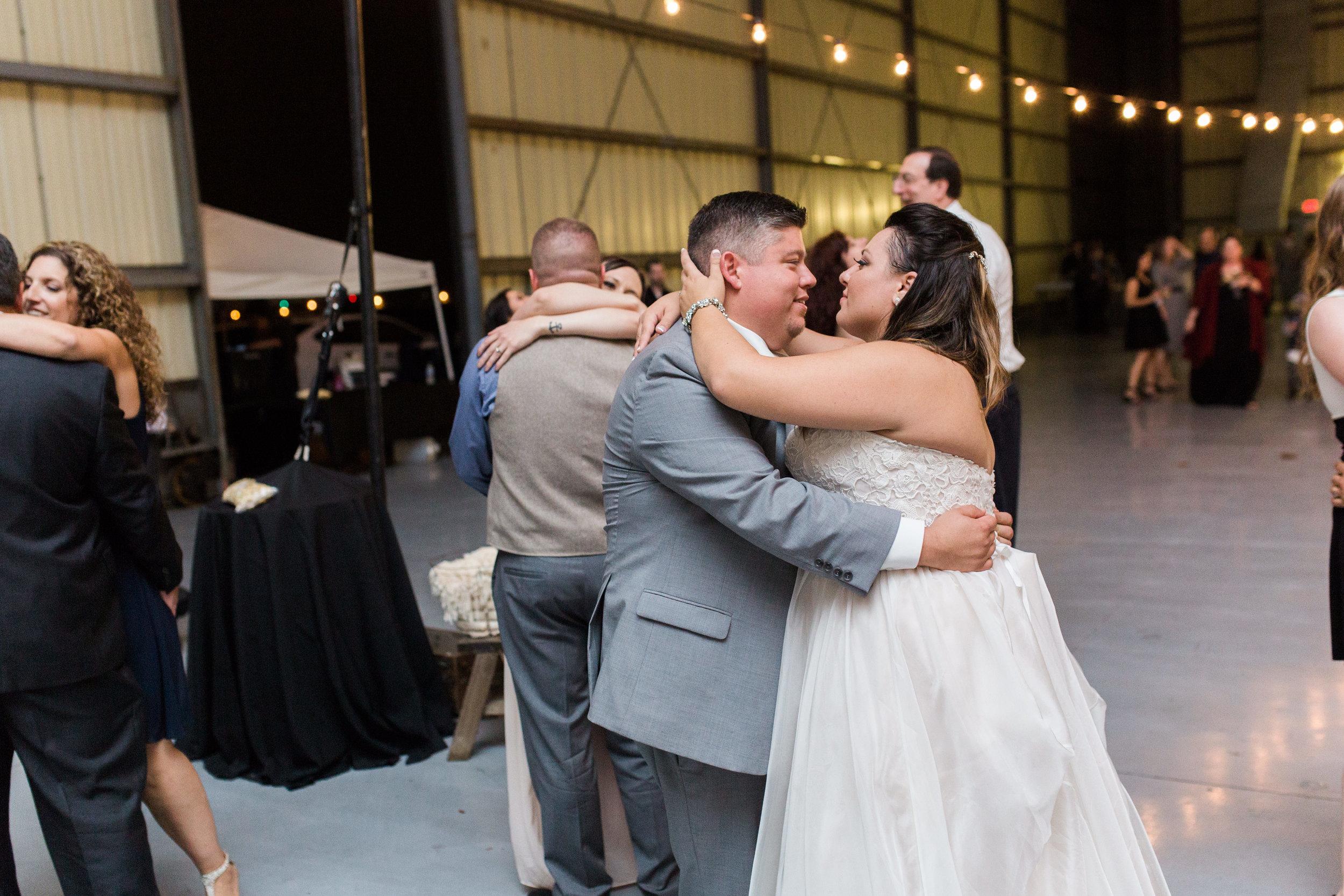 airport-hanger-wedding-at-attitude-aviation-in-livermore-130.jpg