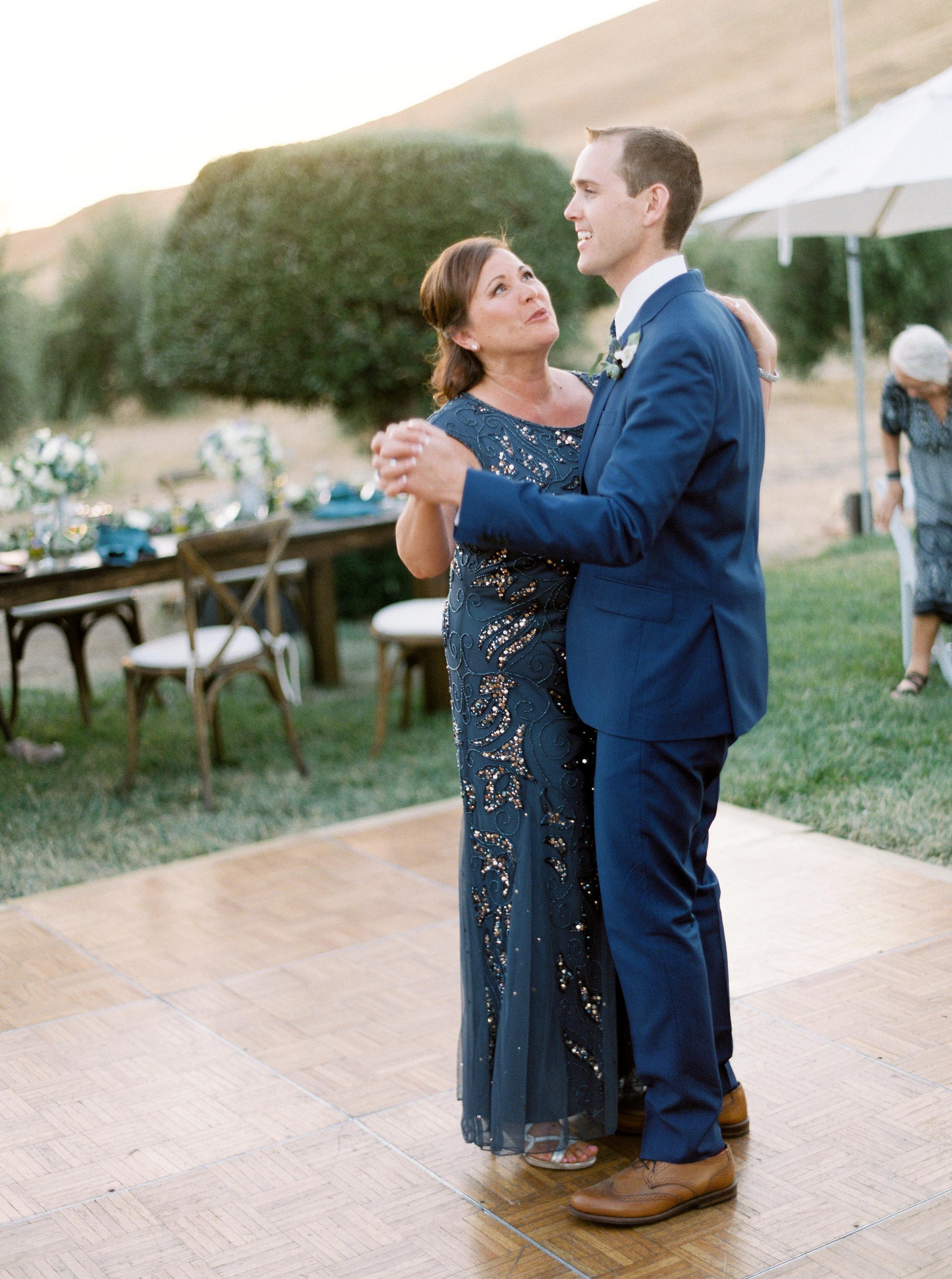 the-purple-orchid-resort-wedding-in-livermore-california-193.jpg