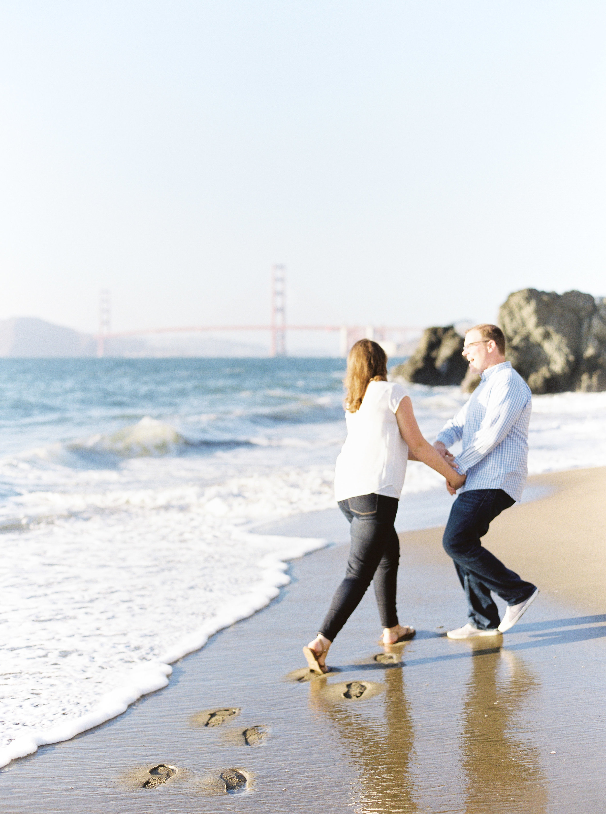 China-beach-engagement-photography-53.jpg