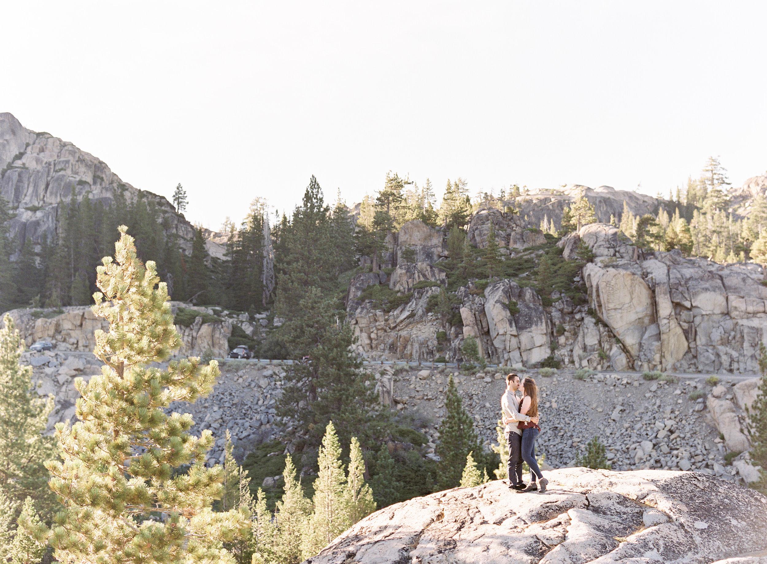 donner-lake-summit-engagement-photography-16.jpg