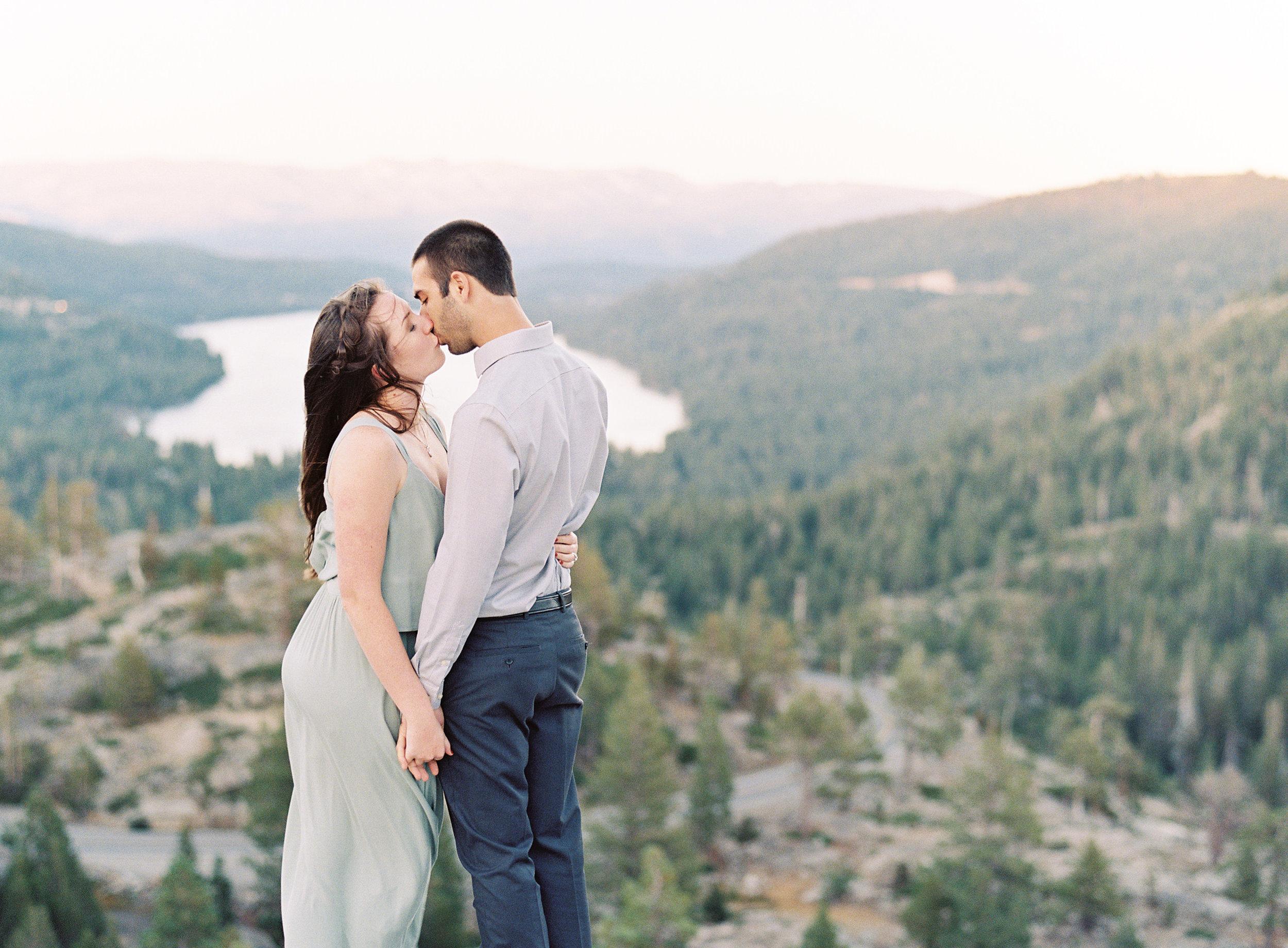 donner-lake-summit-engagement-photography-31.jpg