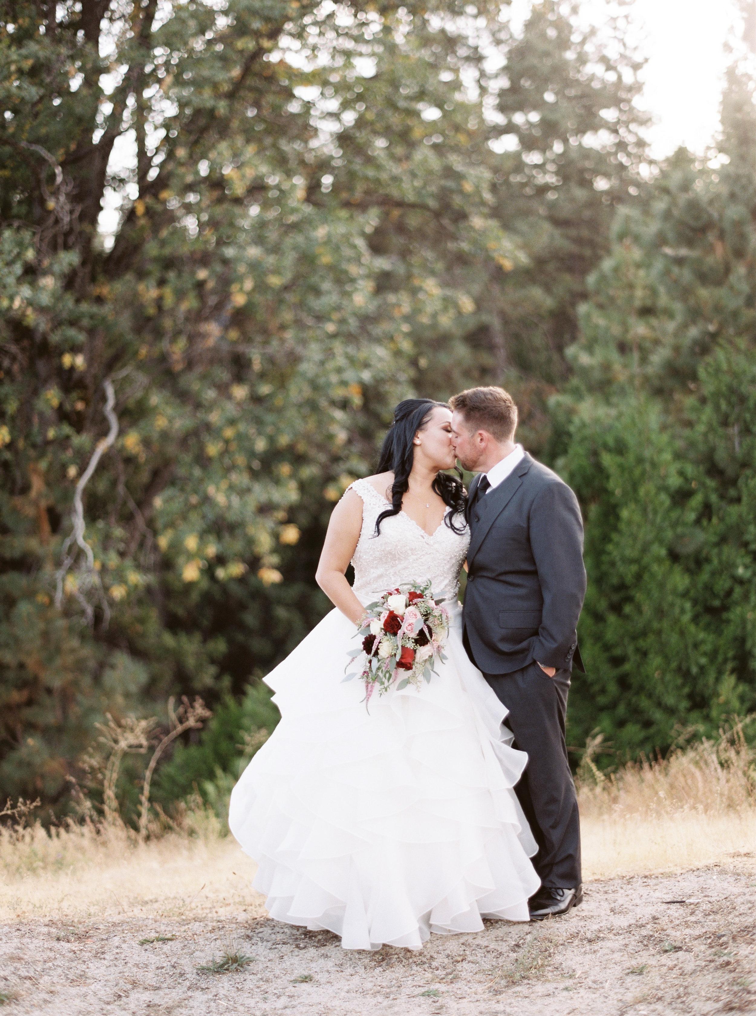 Tenaya-lodge-wedding-at-yosemite-national-park-california-54.jpg