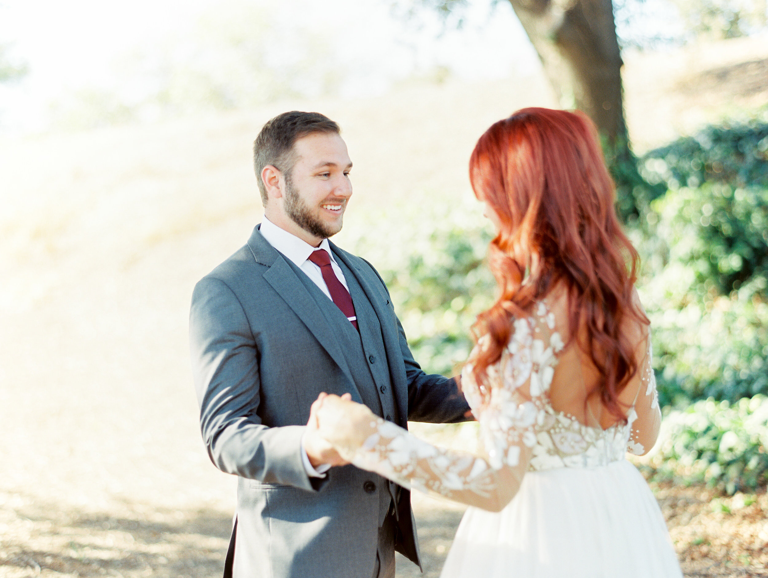 fall-inspired-wedding-at-scribner-bend-vineyards-in-sacramento-california-1-5.jpg