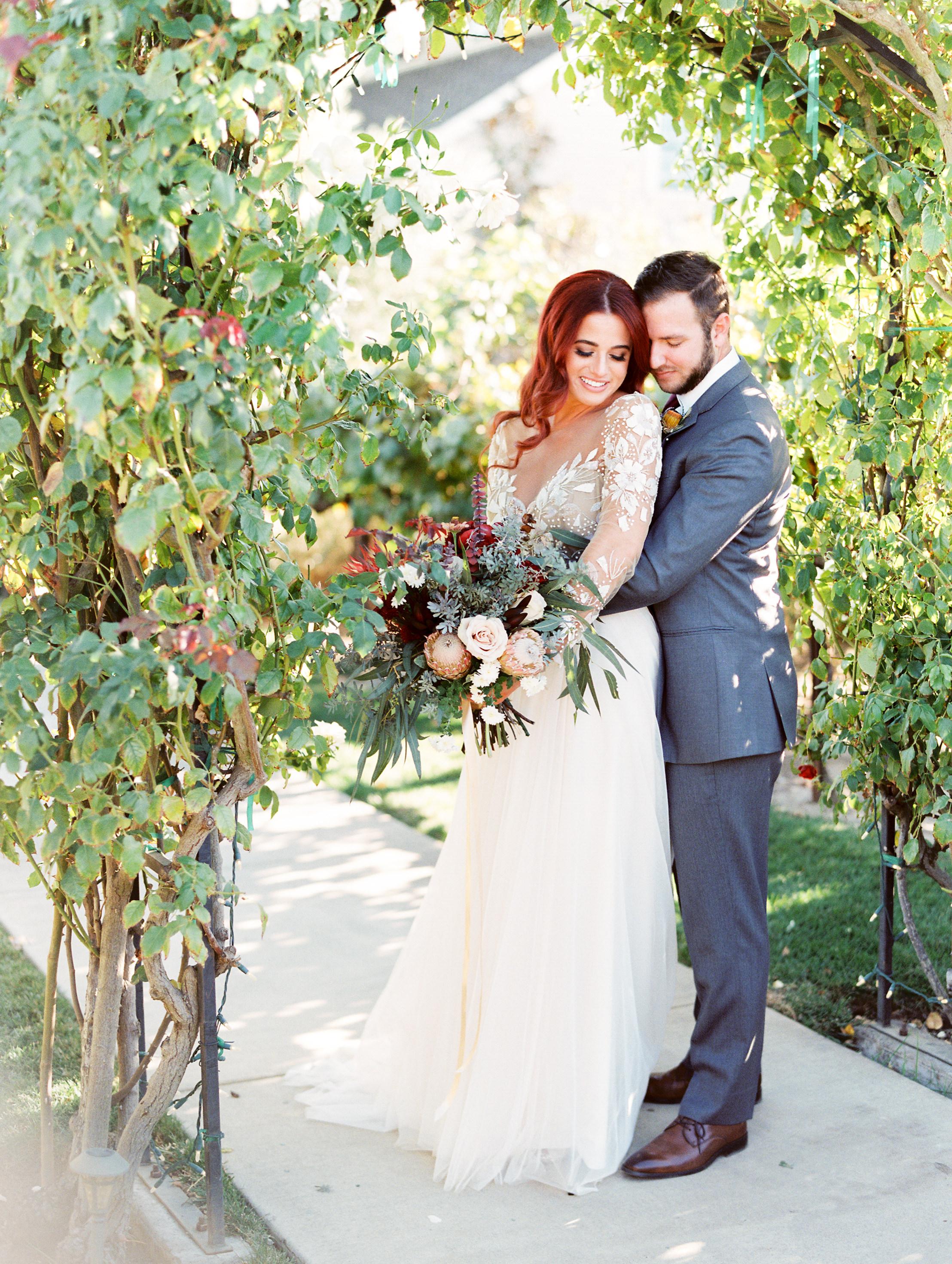 fall-inspired-wedding-at-scribner-bend-vineyards-in-sacramento-california-1-7.jpg