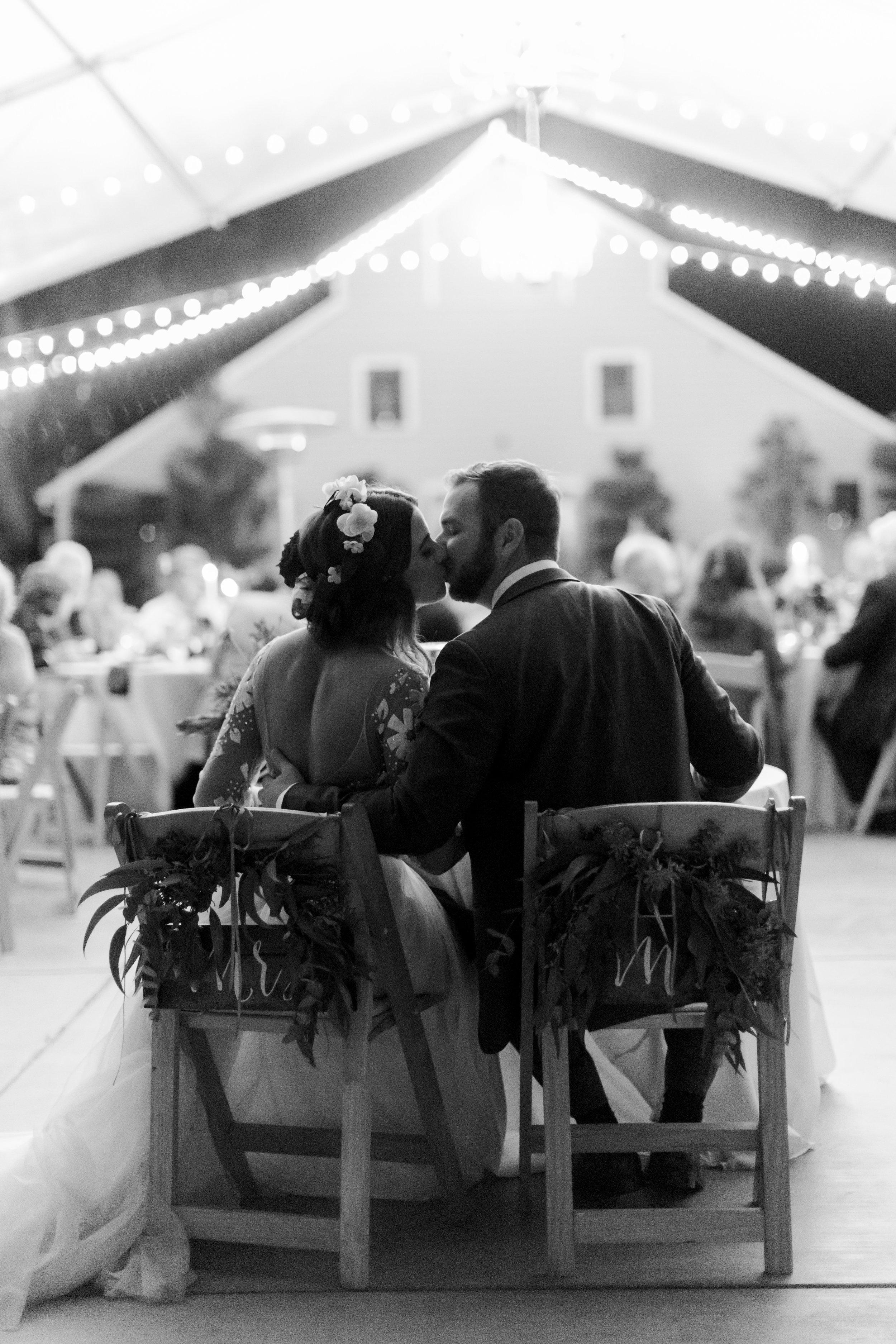 fall-inspired-wedding-at-scribner-bend-vineyards-in-sacramento-california-1-13.jpg