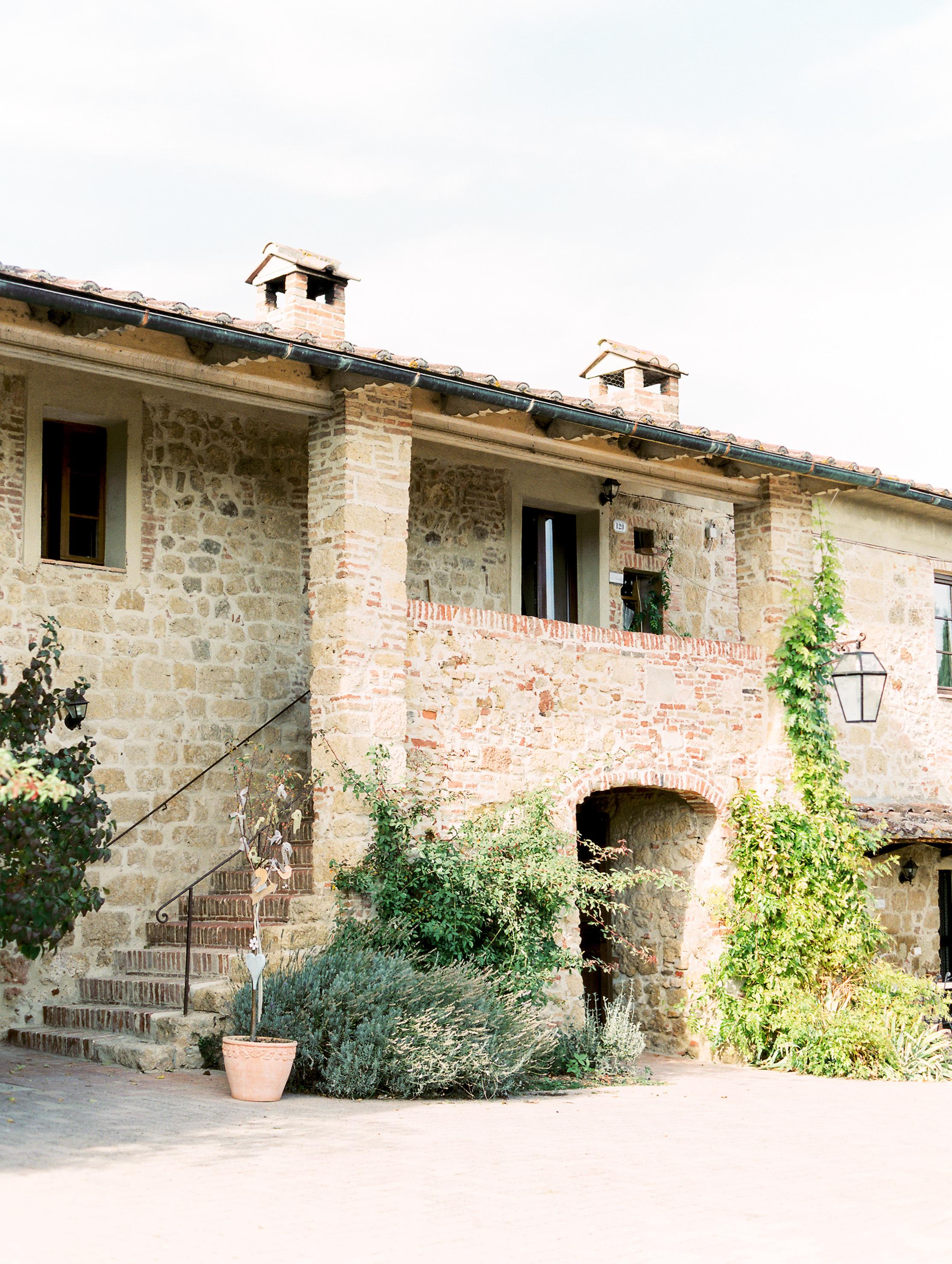 romantic-italy-wedding-in-tuscany-10.jpg