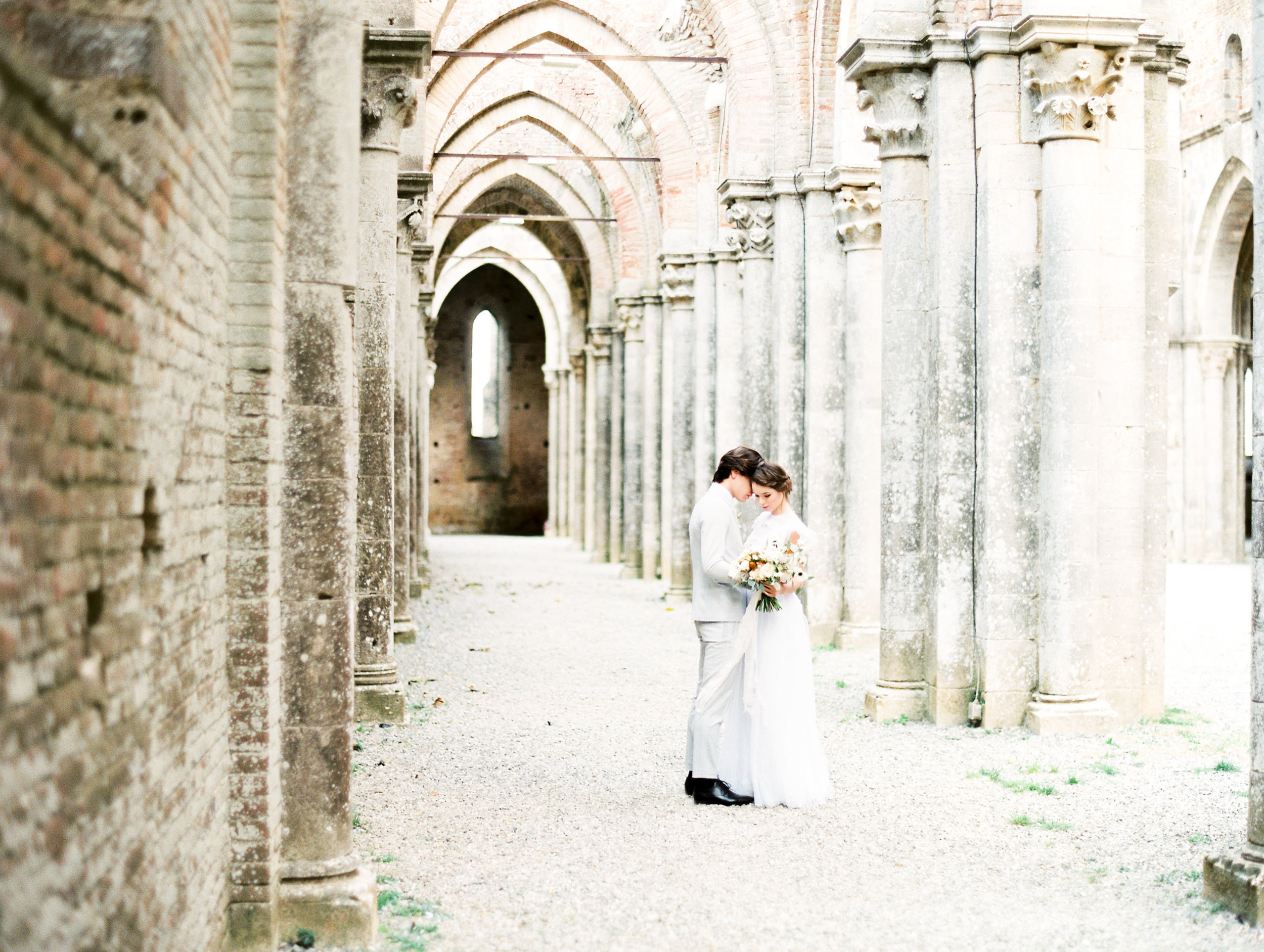 romantic-italy-wedding-in-tuscany-83.jpg