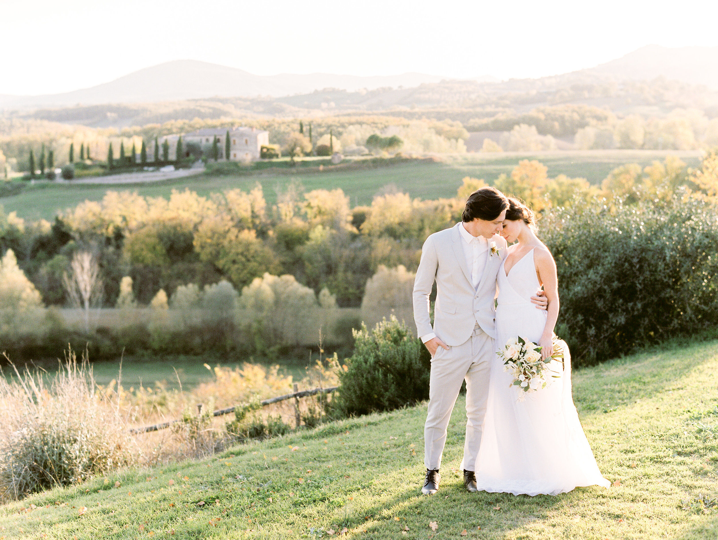 romantic-italy-wedding-in-tuscany-2.jpg