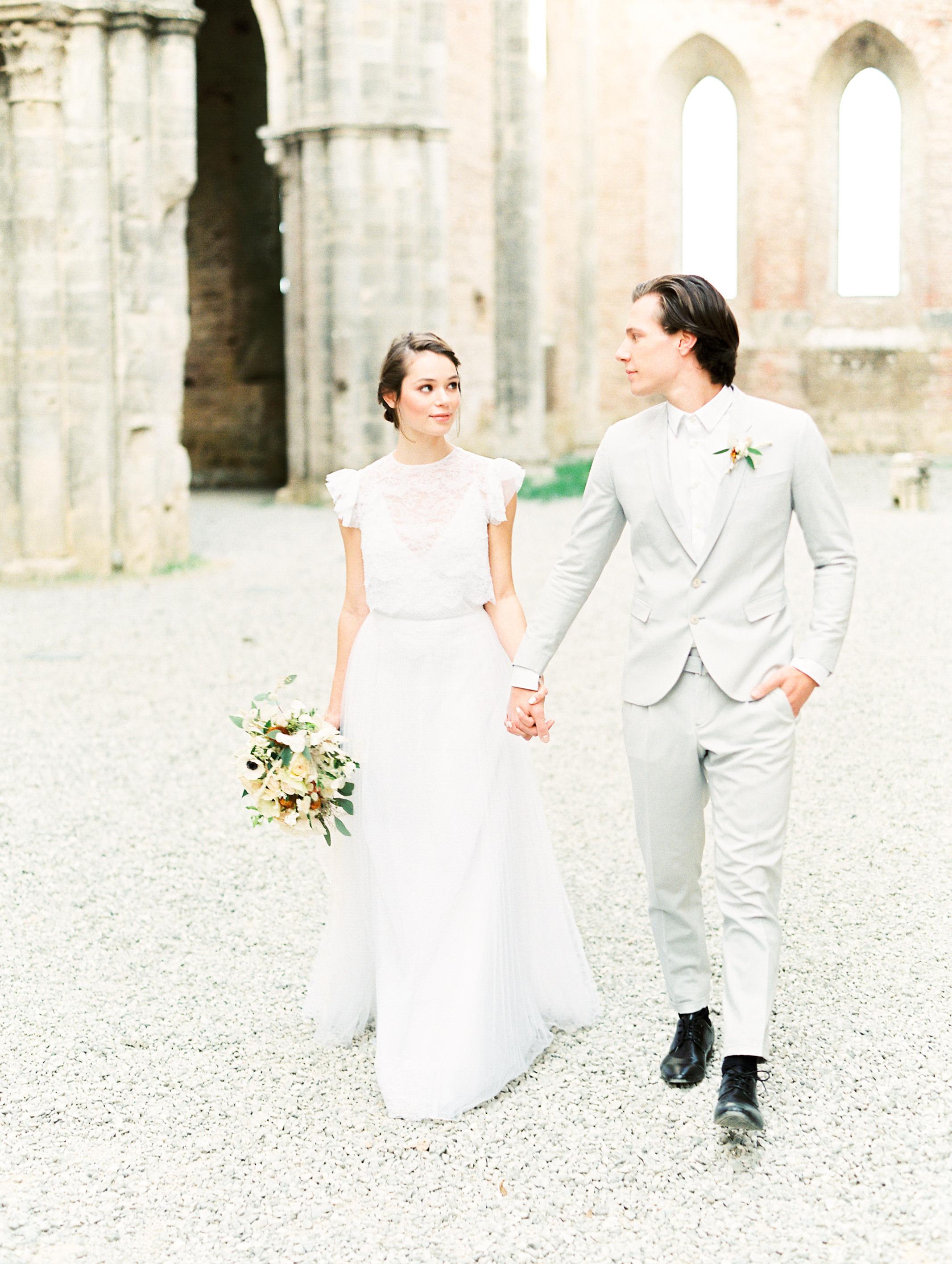romantic-italy-wedding-in-tuscany-19.jpg