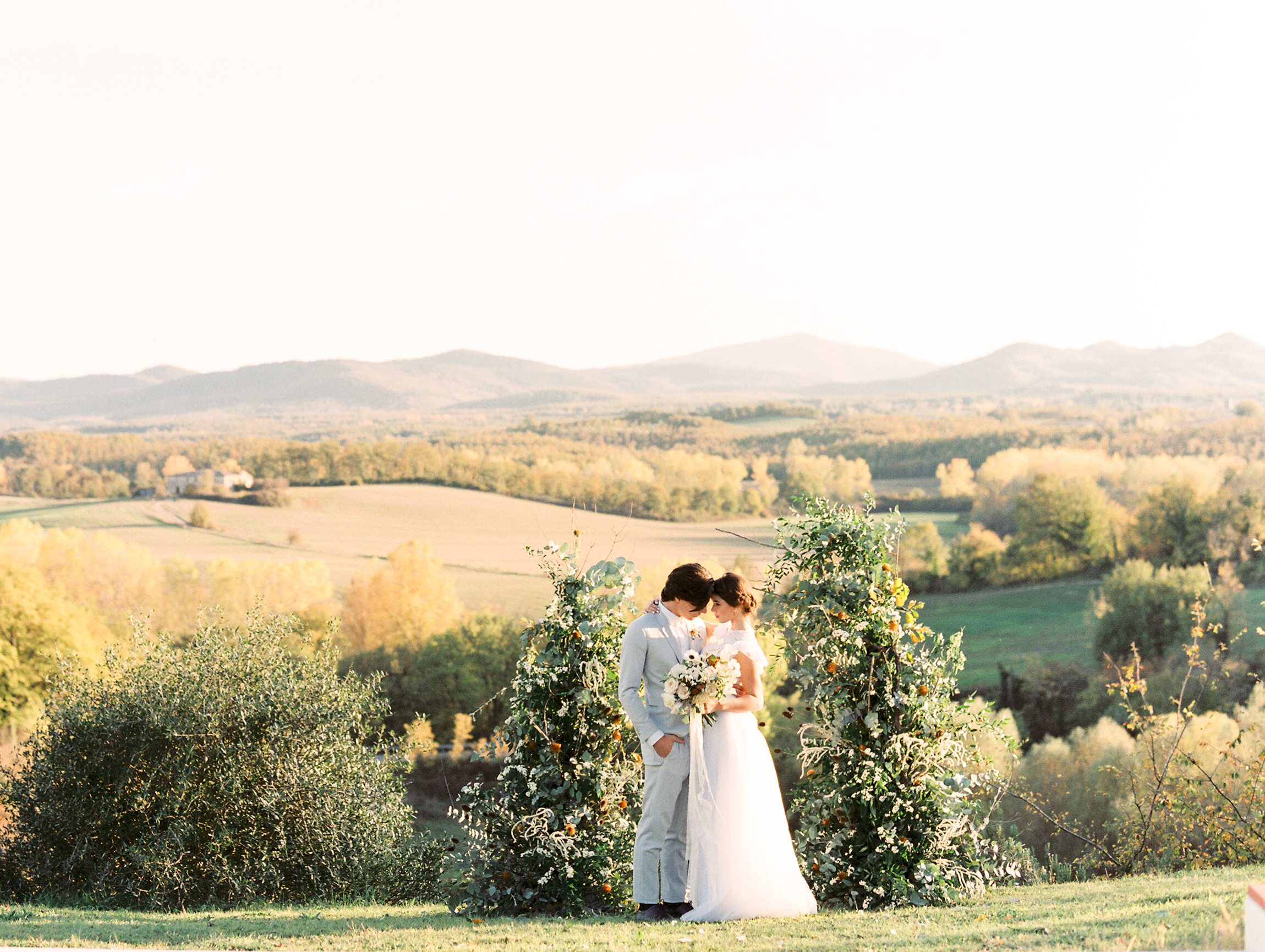 Romantic-wedding-in-Tuscany-italy.jpg