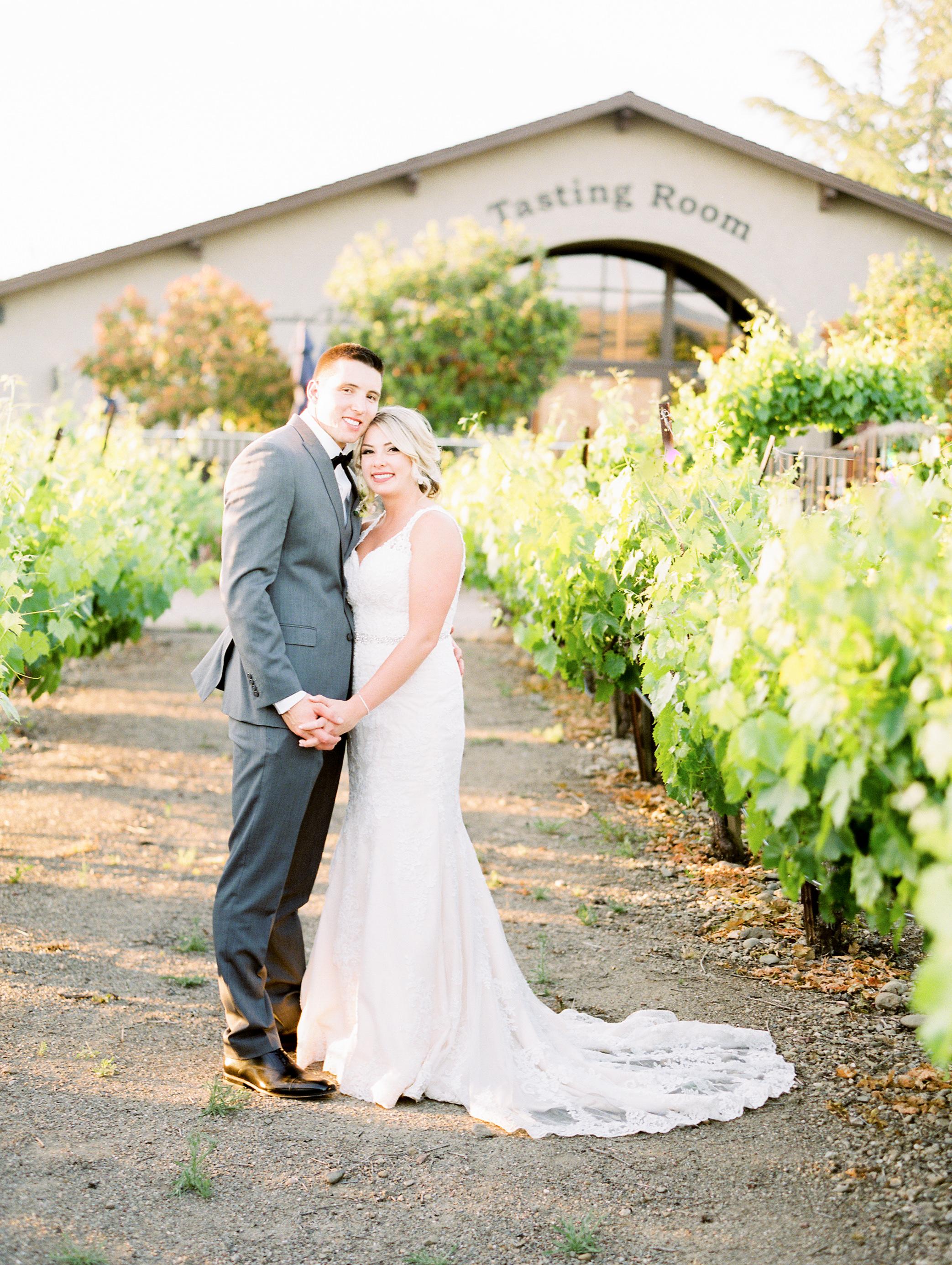 crooked-vine-winery-livemore-wedding-11.jpg