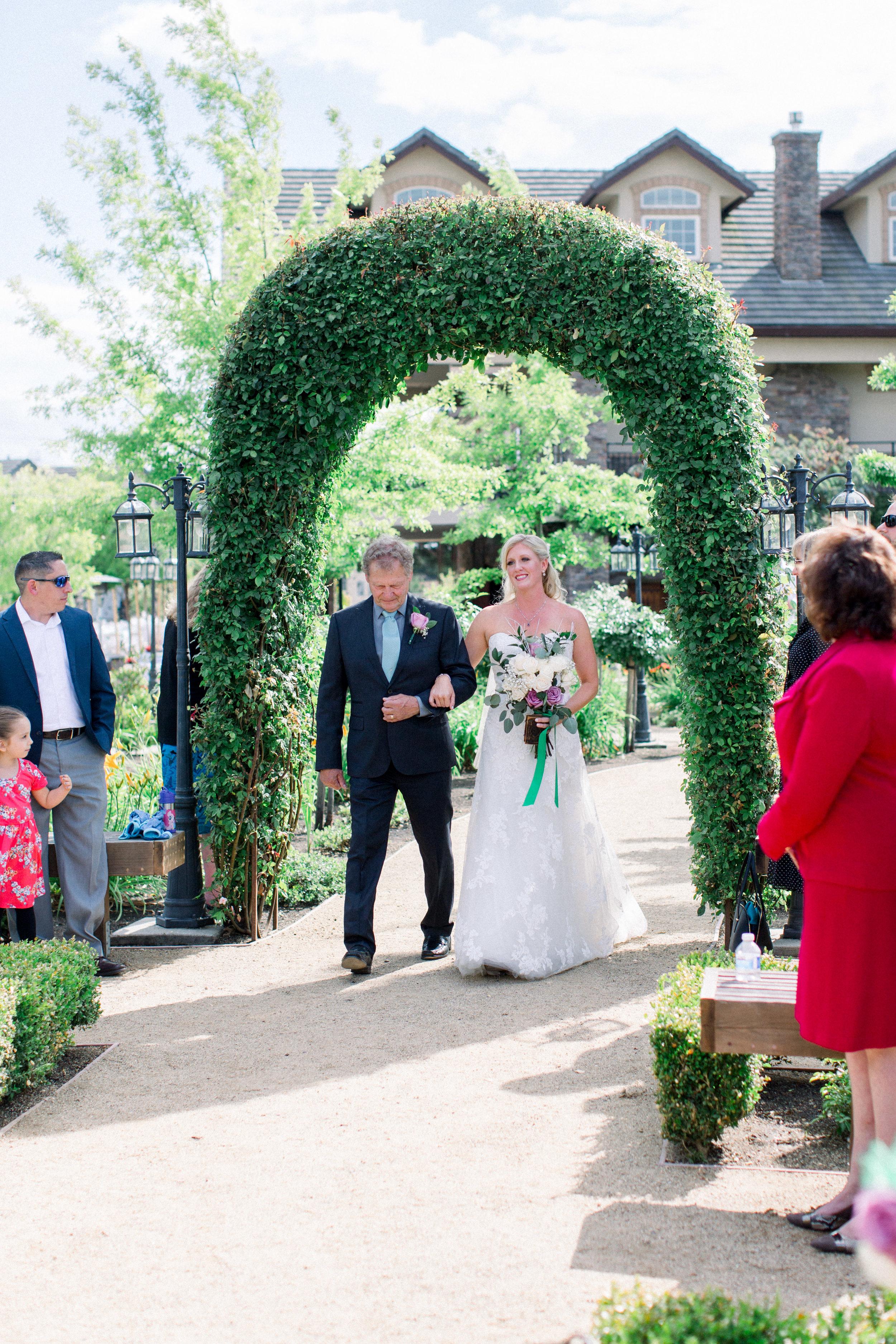 wolfe-heights-event-center-wedding-sacramento-california-wedding-14.jpg