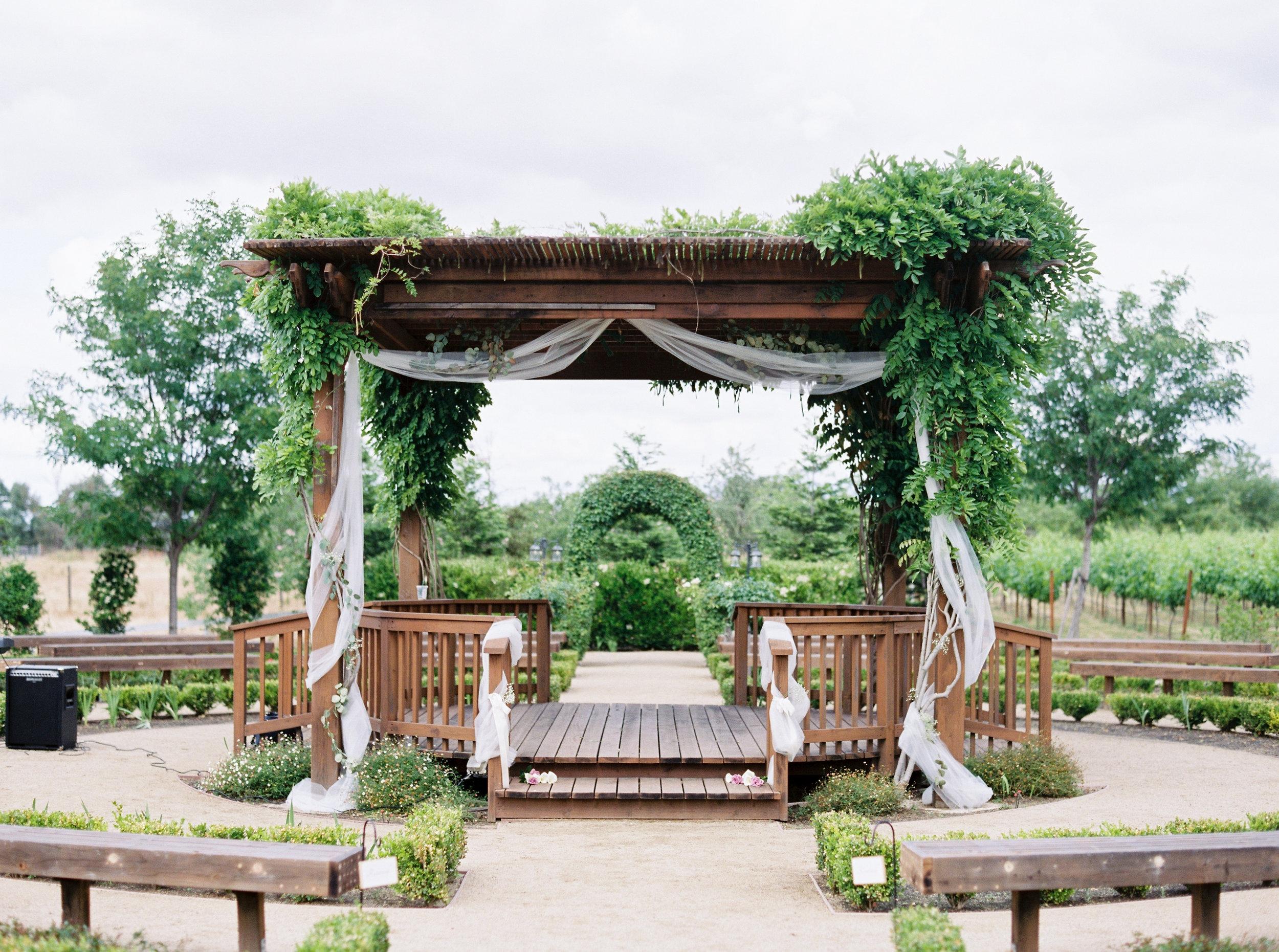 wolfe-heights-event-center-wedding-1-7.jpg