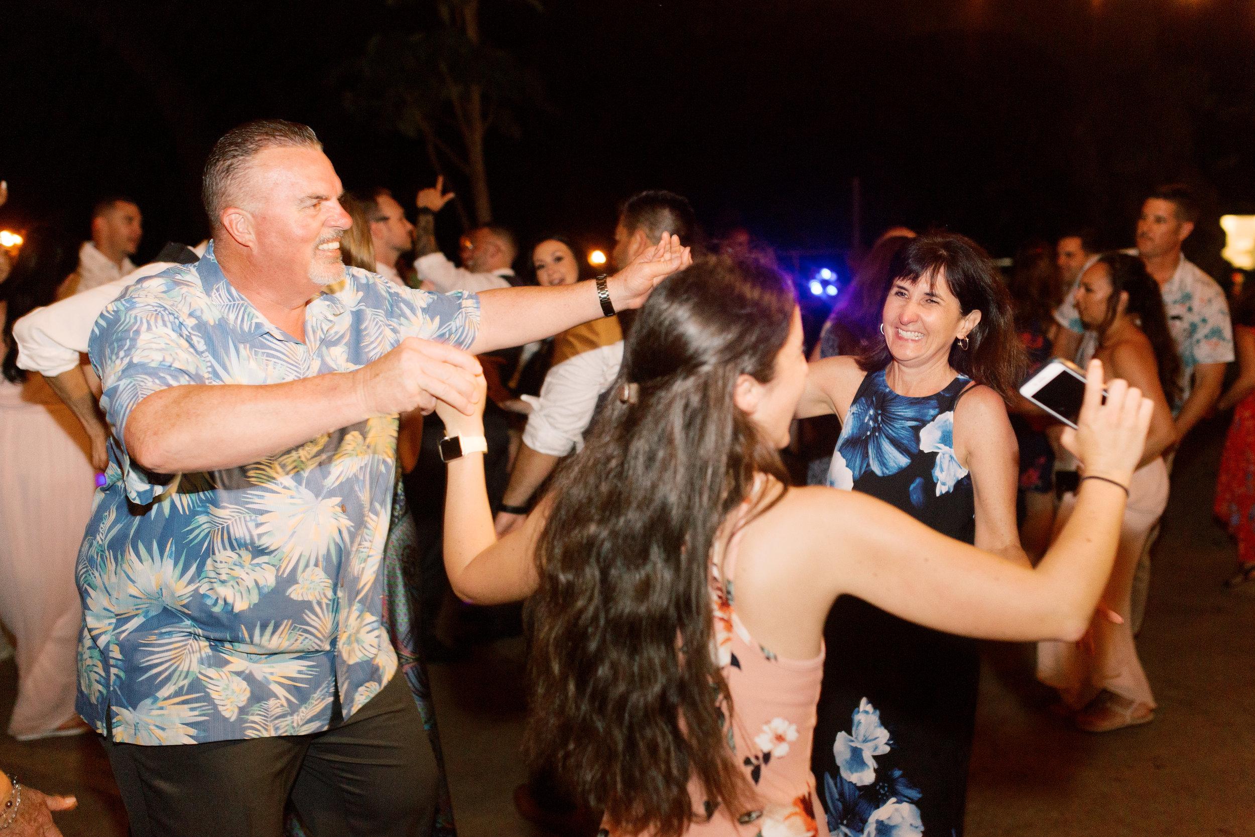 Olowalu-Plantation-House-wedding-Maui-Hawaii-8.jpg