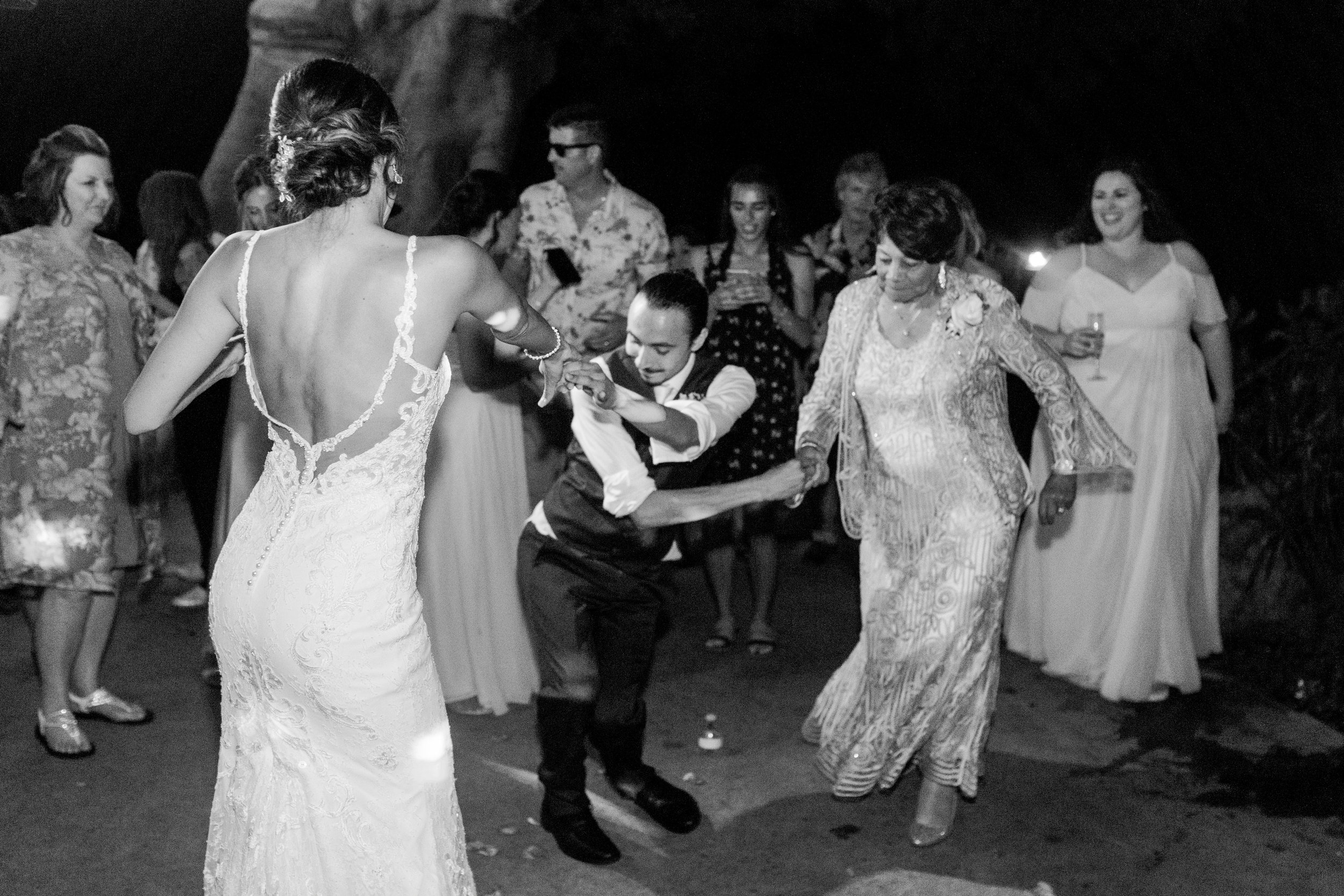 Olowalu-Plantation-House-wedding-Maui-Hawaii-13.jpg