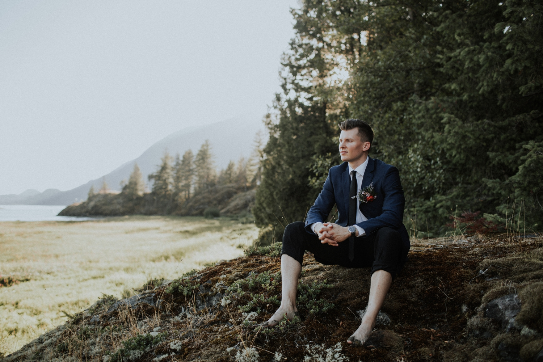 Pitt-Meadows-canoe-styled-elopement