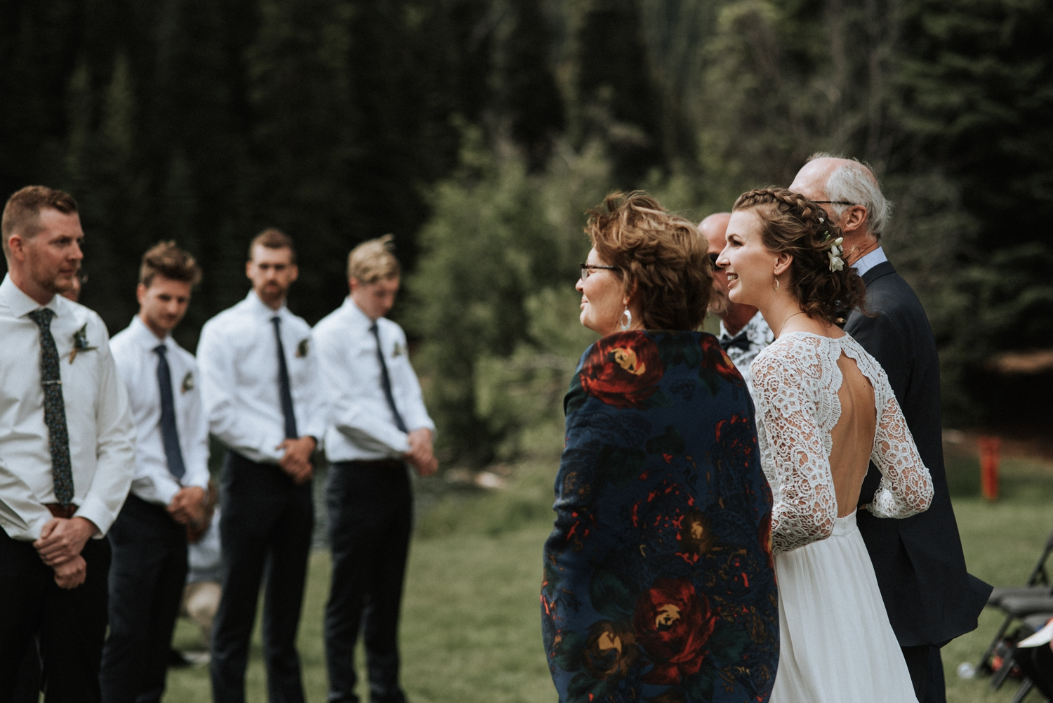 Outdoor-rustic-wedding_0041.jpg