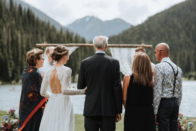 Outdoor-rustic-wedding_0042.jpg