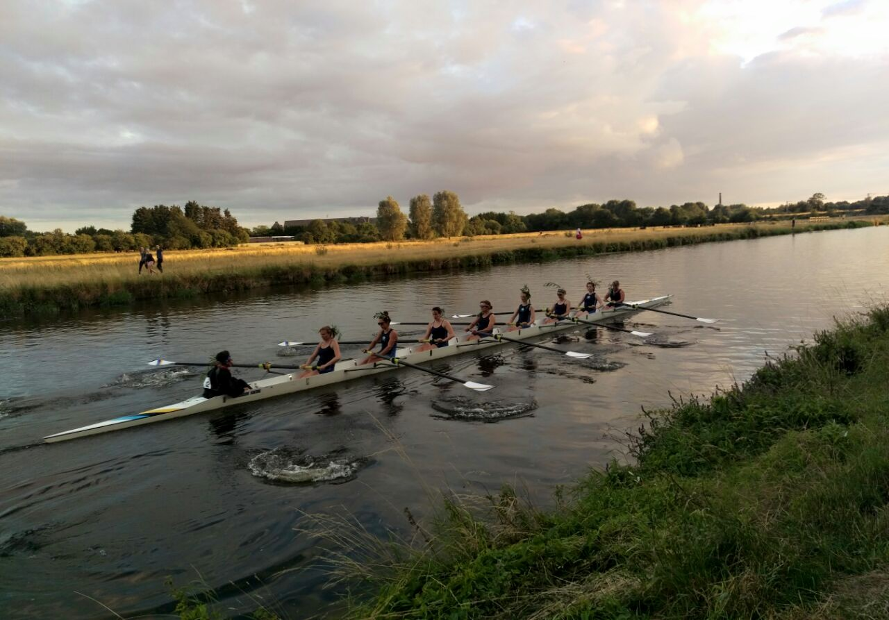 W1 rowing proudly back with their willow having bumps COWS.