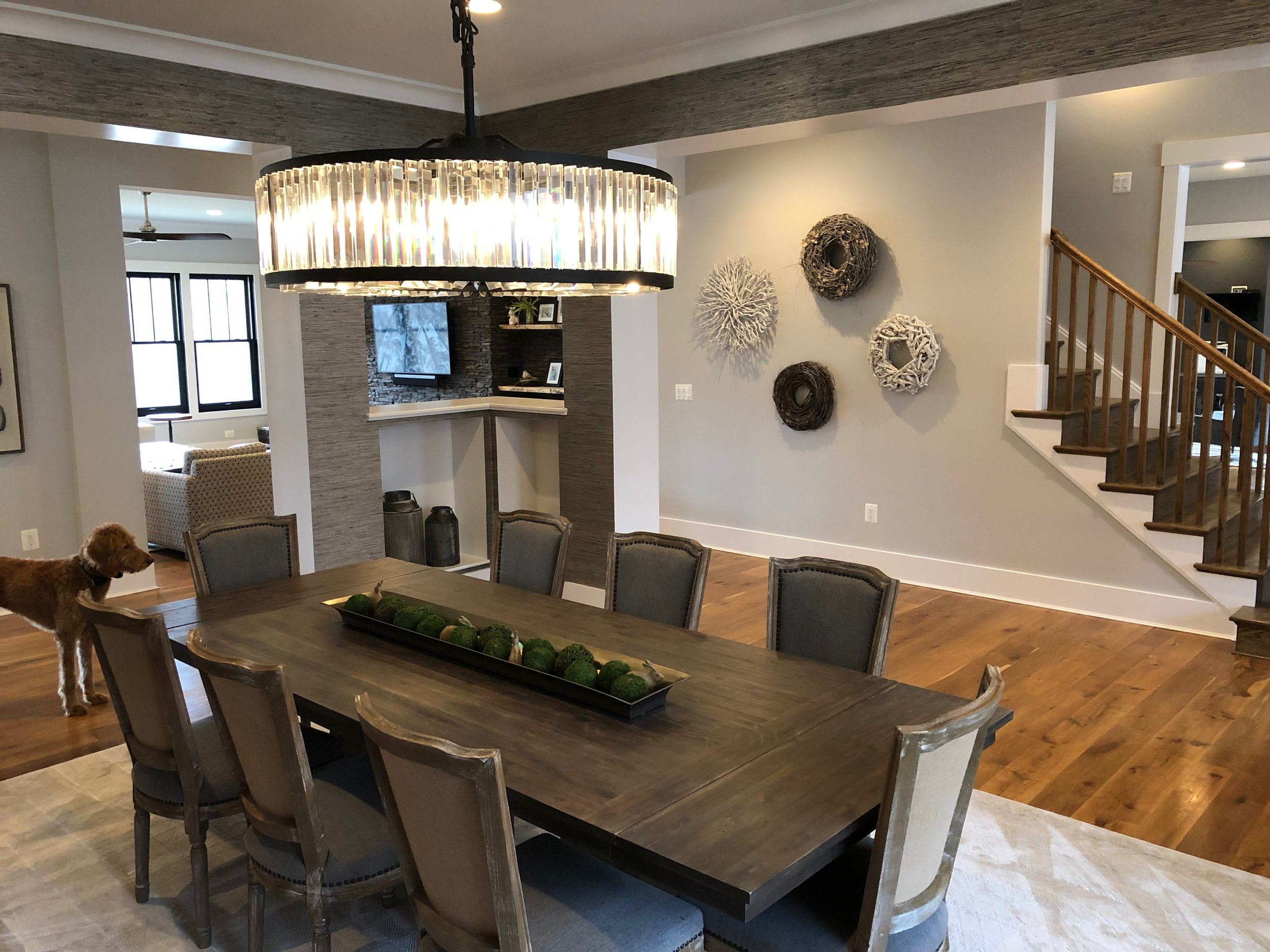 Formal dinning room and foyer.