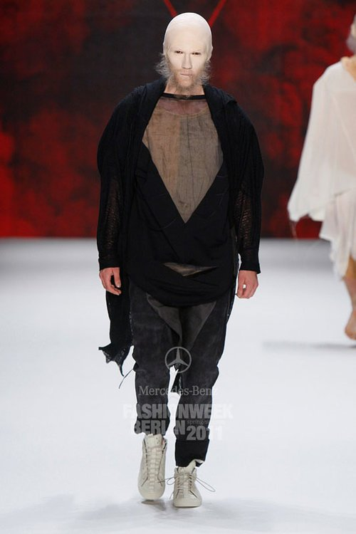 Maximilian @ DOPAMIN MODELS Düsseldorf – Patrick Mohr Runway Show Berlin Fashion Week