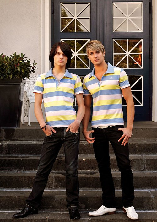 "DOPAMIN berlin pink/yellow/baby-blue striped polo shirt, rosa/gelb/babyblau-gestreiftes Polohemd, Models: Rob & James                      Normal    0          21          false    false    false       DE    X-NONE    X-NONE                                                                                                                                                                                                                                                                                                                                                                                                                                                                                                                                                                                                                                                                                                                                                                                                                                                                                                                                                                                                                                                                                                                                                                                                                                                                  /* Style Definitions */  table.MsoNormalTable {mso-style-name:""Normale Tabelle""; mso-tstyle-rowband-size:0; mso-tstyle-colband-size:0; mso-style-noshow:yes; mso-style-priority:99; mso-style-parent:""""; mso-padding-alt:0cm 5.4pt 0cm 5.4pt; mso-para-margin-top:0cm; mso-para-margin-right:0cm; mso-para-margin-bottom:8.0pt; mso-para-margin-left:0cm; line-height:107%; mso-pagination:widow-orphan; font-size:11.0pt; font-family:""Calibri"",sans-serif; mso-ascii-font-family:Calibri; mso-ascii-theme-font:minor-latin; mso-hansi-font-family:Calibri; mso-hansi-theme-f"