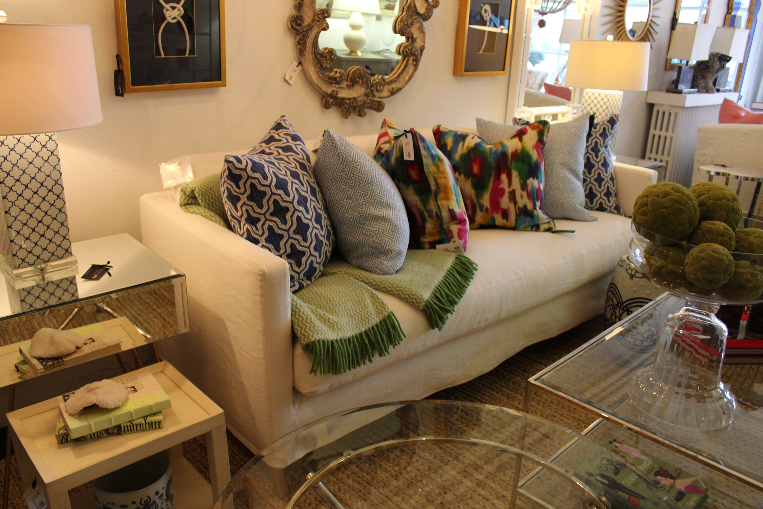 SLIPCOVERED SOFA IN  'BOOMER WHITE'