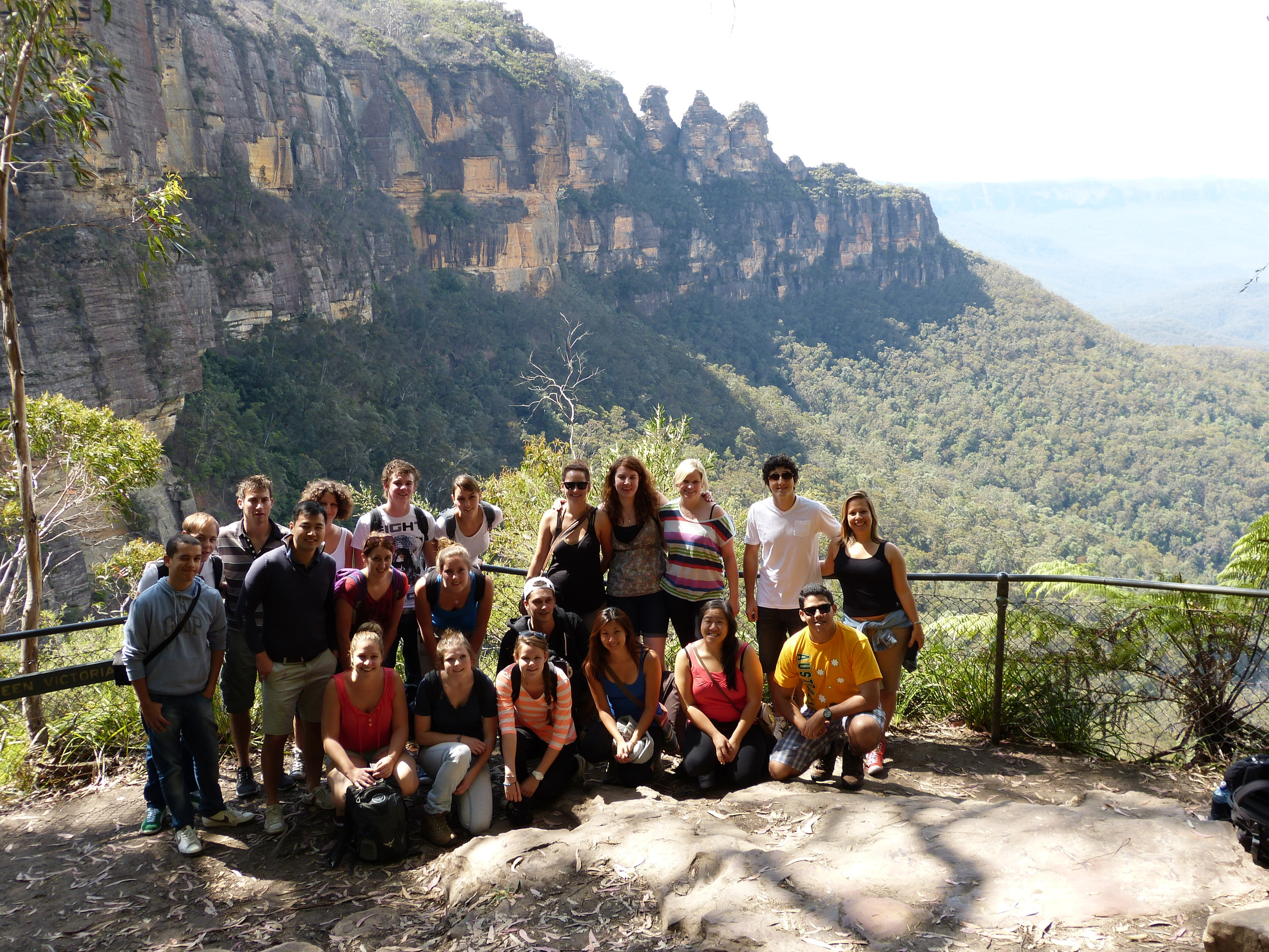 Group shot- Lookout to 3sisters.JPG