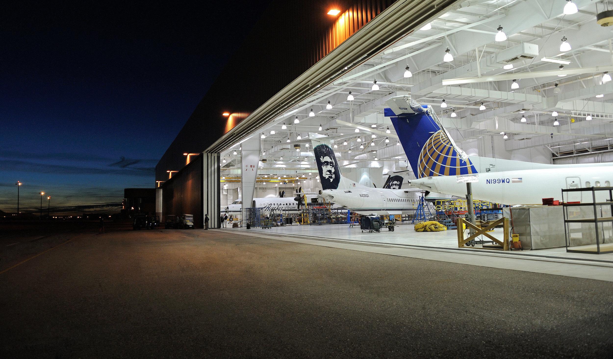 _BHW9982-Tucson-Service-Hangar-Smart-Web-II.jpg