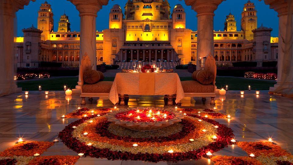 north-india-umaid-bhawan-candlelit-feast.jpg