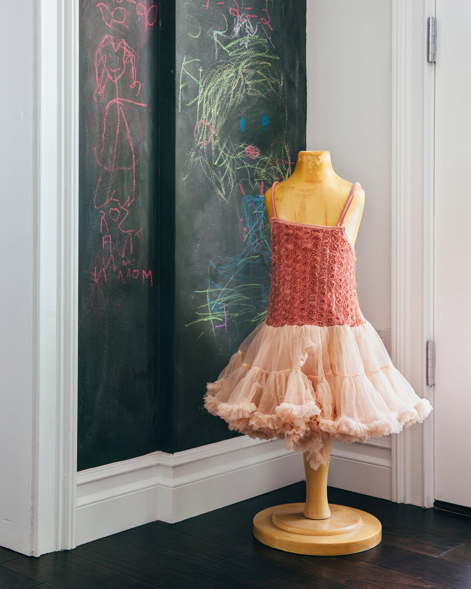 venice-california-chalkboard-tulle.jpg