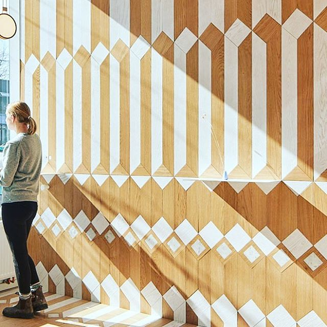The next time I'm in #Toronto, I'm stopping at @milkyscoffee to see this KILLER work by @batay_csorba_architects⠀⠀ ⠀⠀ 📸: @YounesBounhar⠀⠀ .⠀⠀ .⠀⠀ .⠀⠀ #interiordesign⠀⠀ #currentdesignsituation⠀⠀ #interiorinspo⠀⠀ #decorinspo⠀⠀ #thenichehome⠀⠀ #livehappy⠀⠀ ⠀⠀ ⠀⠀ ⠀⠀
