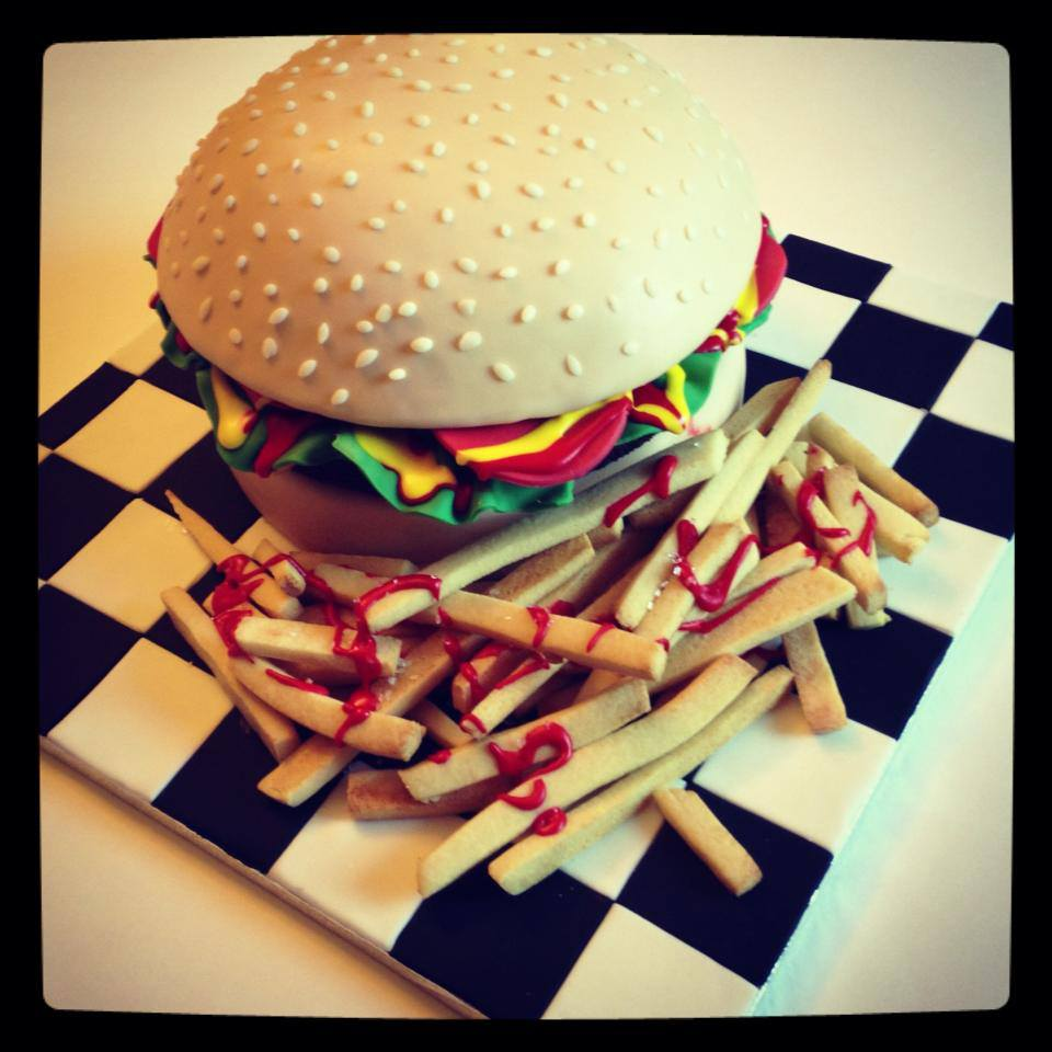 burger cake.jpg