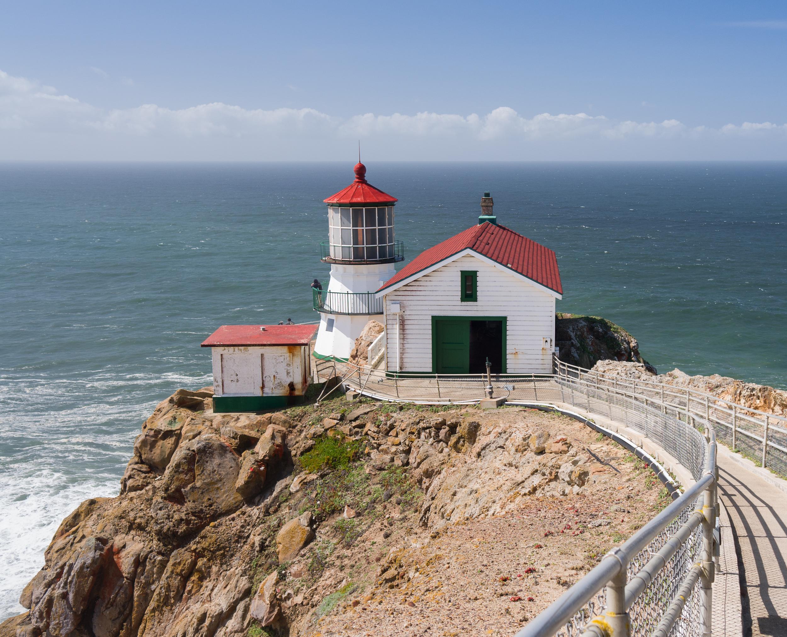 Point_Reyes_Lighthouse.jpg