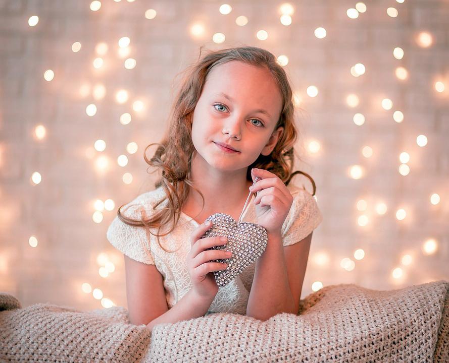 girl-2105180_960_720.jpg