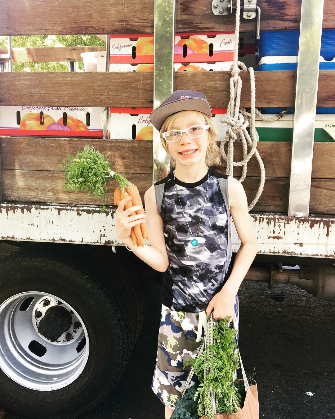 Local Farms - Purchase your produce from your local farmer's market to cut down on CO2 from transportation trucks used to deliver the goods, plus you'll be supporting your local farmers and economy. Thanks AIM Farmers Markets #farmersmarket #shoplocal #produce #littlethings #howyoucanhelp #savetheplanet #marincounty #itstartswithyou #littleactsbigchange 🥕