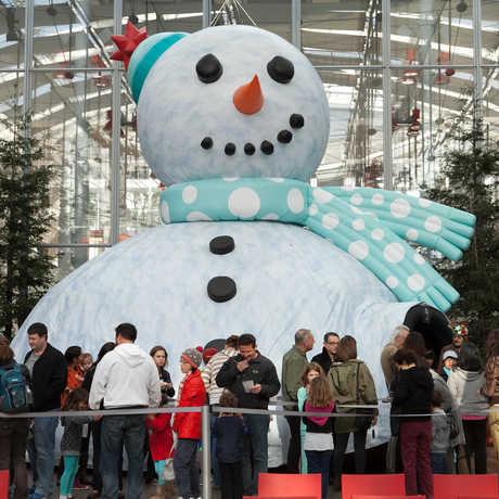 snowman_theater_kathryn_whitney_cas.jpg