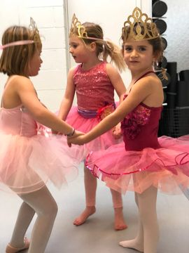 Ballet Camp - JUNE 17-21 & JUNE 24-28Ballet Camp is for ages 4-5 years old and 6-8 years old. All levels are welcome! Camp is led by Ms. Leilani who is nurturing, friendly and professional along with being assisted by MCD teen dancers. Each week the camp is themed.