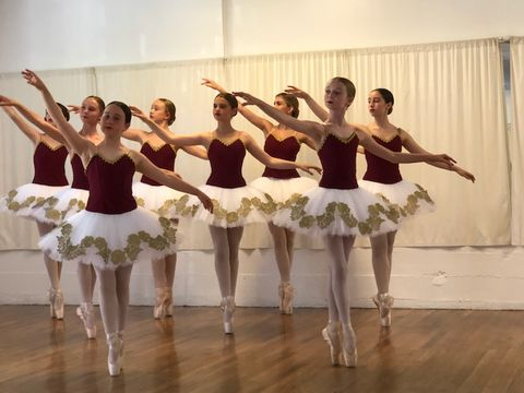 MCD Summer Intensive - MCD Summer Intensive with weekly Guest Teachers. This Intensive is for trained dancers ages 12 - 18 years old, with several years of previous dance experience.