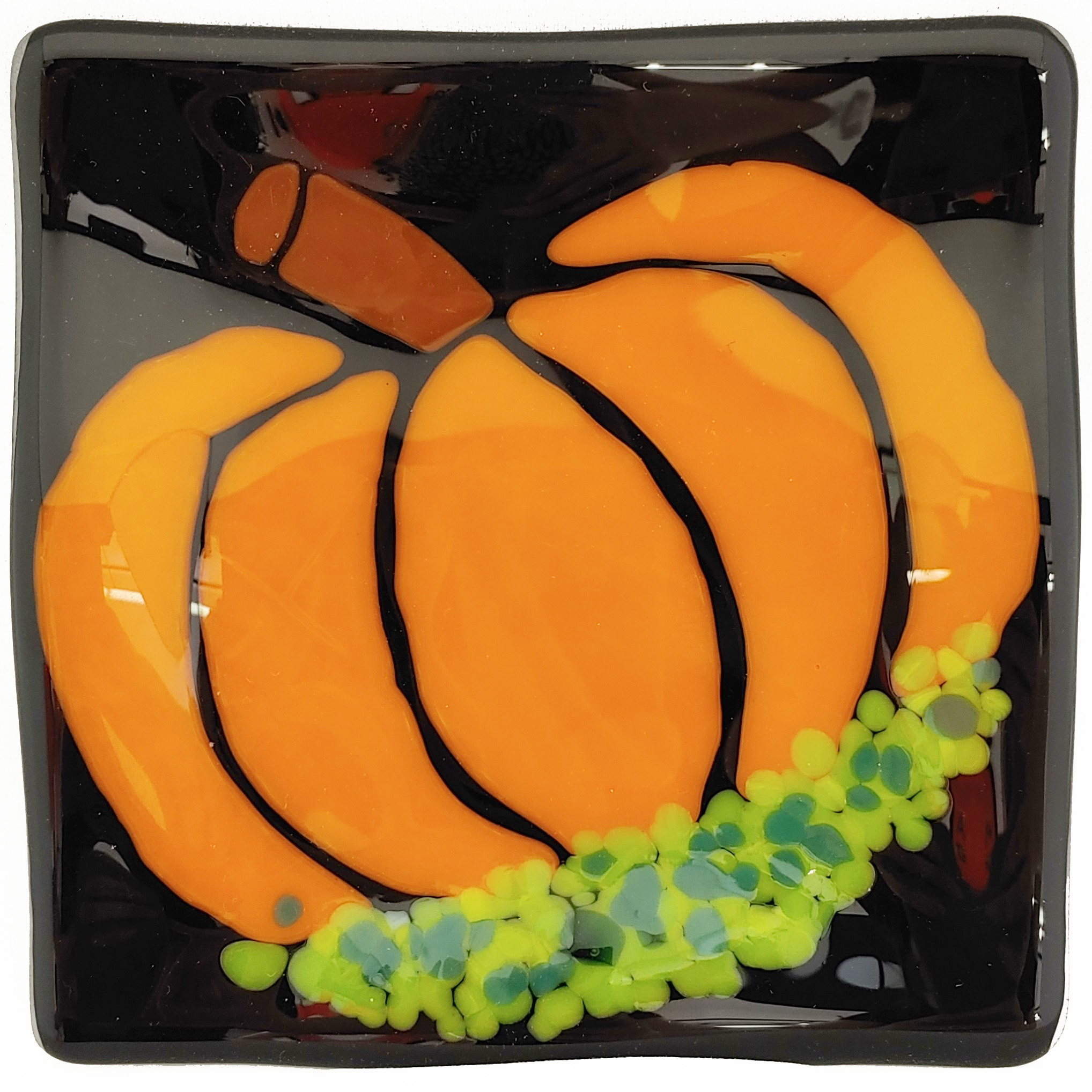 Pumpkin Plate - October 13, 1:00 PM - 2:30 PMWhat better way to add a little fall to your home than a perfect pumpkin plate! Cutting curves and using negative space are what set this project apart. Sometimes a simple design is what makes the biggest statement, and that hold true with this plate as well. Featured Project: Wavy Plate Skills Learned: Cutting glass, using negative space Ages: 12+ (Check out