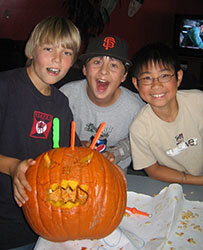 Fright Night @ the Scream Zone Friday - October 18, 6:30-8:30 pmTeen Zone, Ages 11-14yrsTeen Zone Members $15Non-Teen Zone Members $20Course #51757 Register now - space is limited!Put on your best costume and head over to the Teen Zone for our annual Halloween party. There will be snacks, games and pumpkin carving. It'll be a spooky good time!