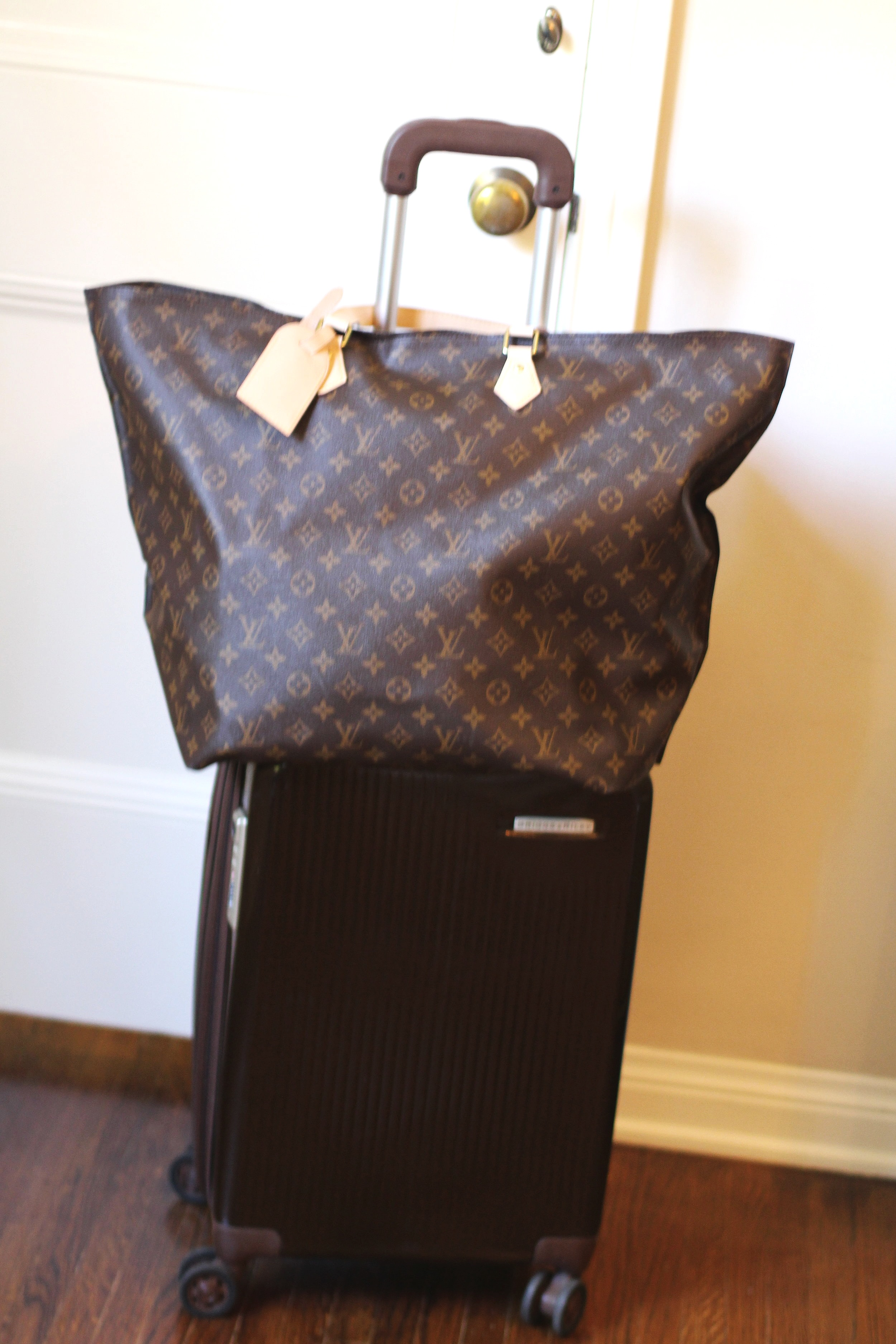 And voilà, it all fits!    Louis Vuitton travel bag   ,    Briggs and Riley luggage