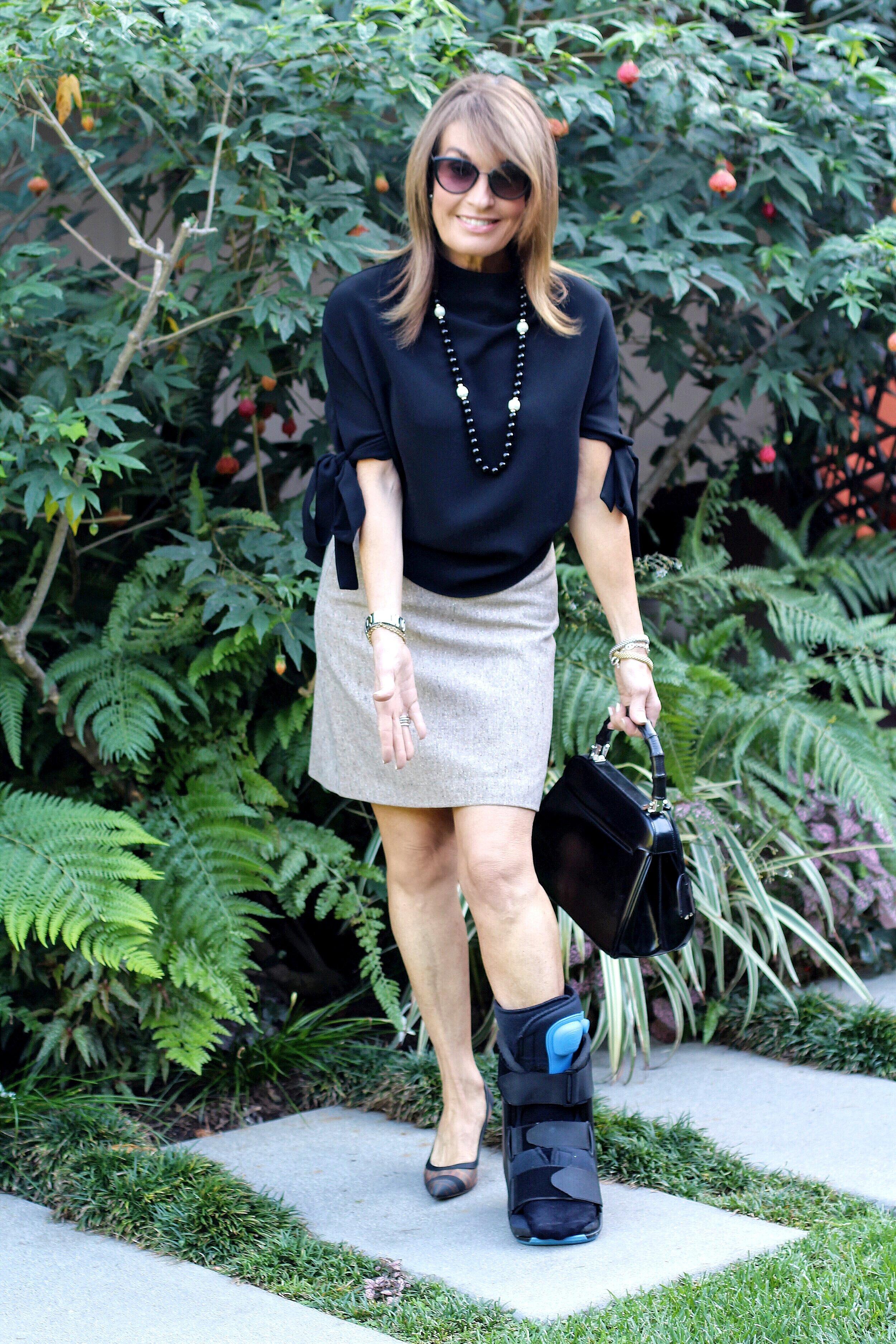 Edeline Lee top    ,    Theory skirt     ,      Fendi shoes     ,   Vintage Gucci handbag, vintage necklace,    Chanel shades similar here