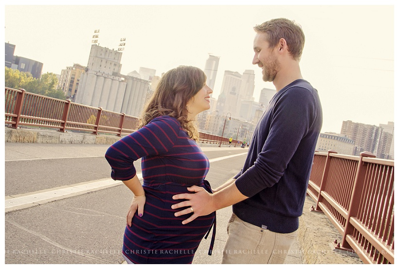maternity-photography-stone-arch