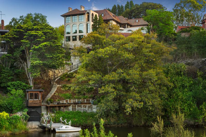 1 Edzell Avenue Toorak - River View