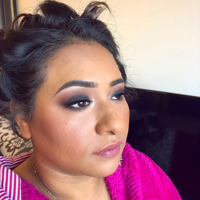 Dark smokey eyes have been a super popular bridesmaid look recently 😍. Have you got your wedding party booked in for makeup for your special day? Email us at hello@evebeauty.co.nz to book. Makeup by Genevieve 💄 ❕ • • • • • #makeup #mua #makeupartist #makeupaddict #motd #makeupsocial #beauty #nzmakeupartist #queenstownmakeupartist #queenstownlive #love #beauty #instagood #myartistcommunity #wedding #bridalmakeup #weddingmakeup #maccosmetics #nzmakeup #nzbeauty #undiscovered_muas #falselashes #evemakeupartistry #macpro #myartistcommunitynz #instamakeup #bride #bblogger