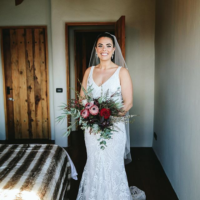 How beautiful does Emily look 👰🏻😍. Gorgeous makeup done by Nicole 🙌. Email us at hello@evebeauty.co.nz to book in for your wedding 💒 day 📸: @wanakaphotography ❕ • • • • • #makeup #mua #makeupartist #makeupaddict #motd #makeupsocial #beauty #nzmakeupartist #queenstownmakeupartist #queenstownlive #love #beauty #instagood #myartistcommunity #wedding #bridalmakeup #weddingmakeup #maccosmetics #nzmakeup #nzbeauty #undiscovered_muas #falselashes #evemakeupartistry #macpro #myartistcommunitynz #instamakeup #bride #bblogger