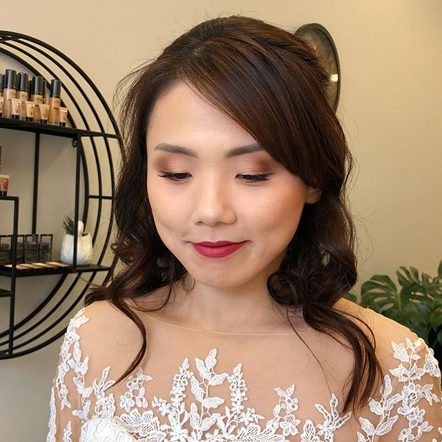 Beautiful bridal makeup 👰🏻 done by Shjatyla 💗 ❕ • • • • • #makeup #mua #makeupartist #makeupaddict #motd #makeupsocial #beauty #nzmakeupartist #queenstownmakeupartist #queenstownlive #love #beauty #instagood #myartistcommunity #wedding #bridalmakeup #weddingmakeup #maccosmetics #nzmakeup #nzbeauty #undiscovered_muas #falselashes #evemakeupartistry #macpro #myartistcommunitynz #instamakeup #bride #bblogger