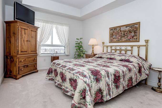 12 Rean bedroom.jpg