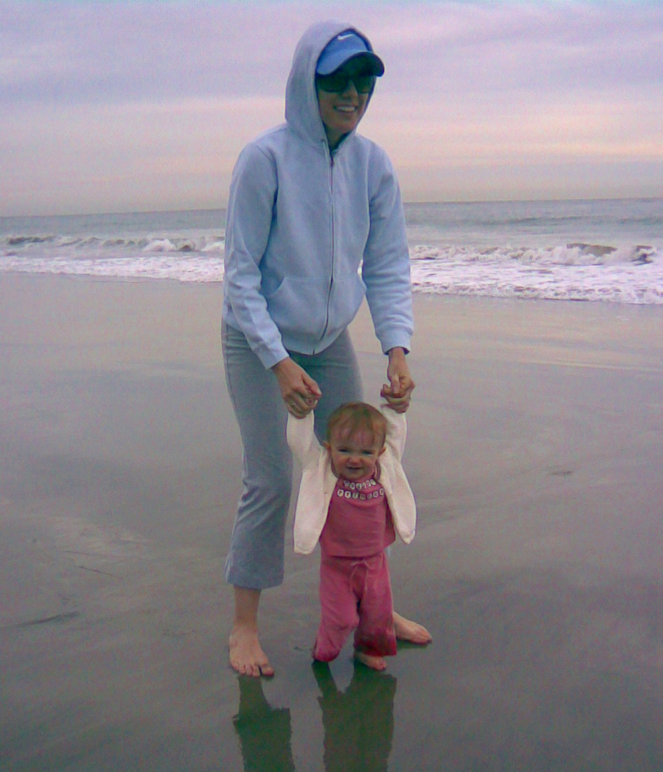 11-month-old on the verge of walking, Malibu, CA - Dec. 19, 2007